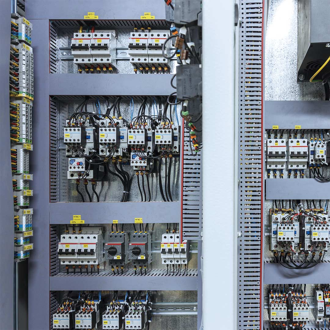 Reacton-Electrical-Control-Equipment-Cabinet-02