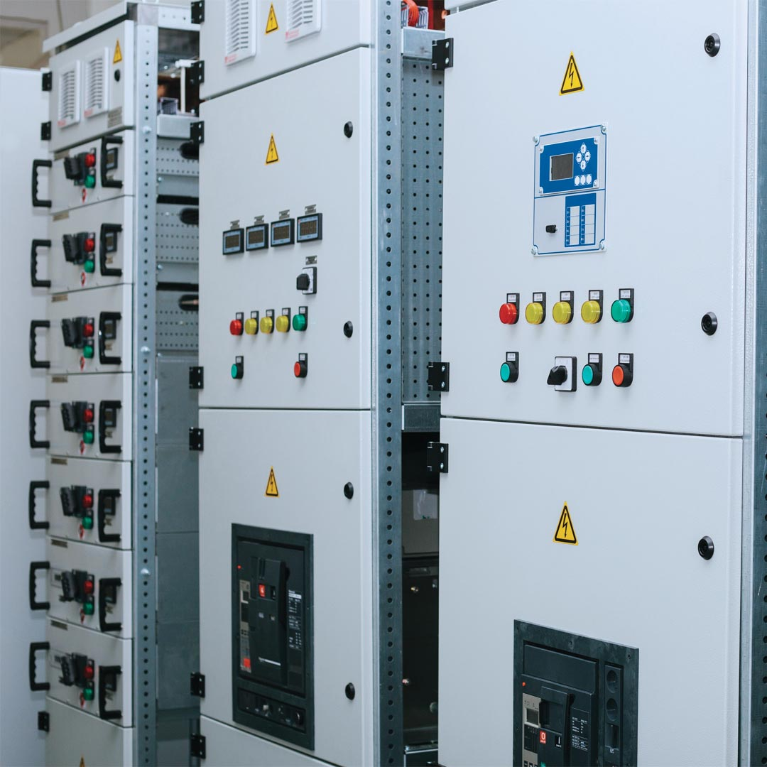 Reacton-Electrical-Control-Equipment-Cabinet-03