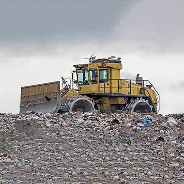 02-Reacton-Heavy-Equipment-Landfill-Waste-Compactors-01