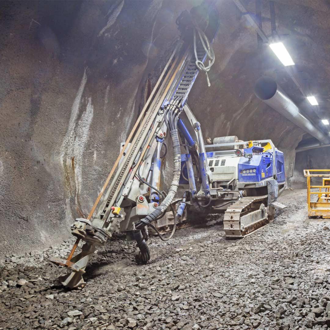 Reacton-Mining-Industry-Drill-Rig-01